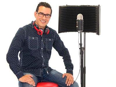 Locutor profesional Uriel Batres
